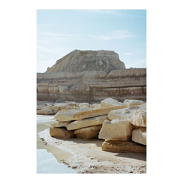 @atmospheriquesnarratives co-founder @giaimemeloni is currently exhibiting a part of his visual research on Stones in the exhibition PIERRE curated by @barrault.pressacco at @pavillonarsenal