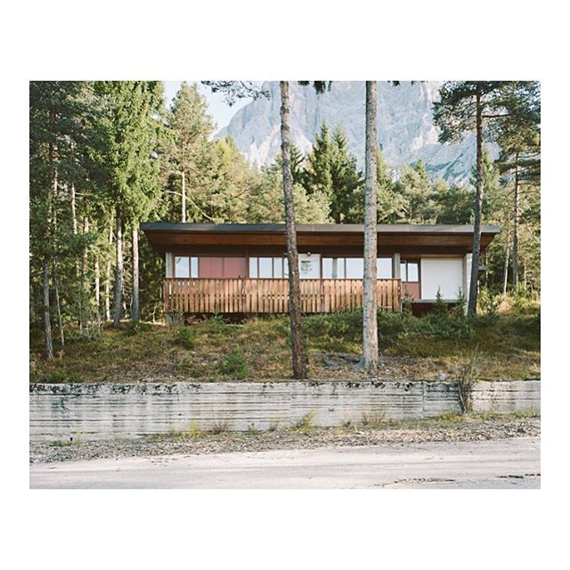 "Atmosphériques narratives co-founder @giaimemeloni is currently searching in the work of the great italian architect Edoardo Gellner his way to build atmospheres in the Borca di Cadore's Village: ""I went beyond architecture: I have used nature as a matter of the project"". This images are exhibited @librairie_volume until 2 march #progettoborca #edoardogellner #giaimemeloni #villaggioeni #architecture #modernism #modernist @dolomiticontemporanee"